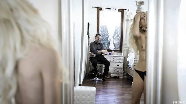 Папаша дико долбит белокурую дочь огромным пенисом